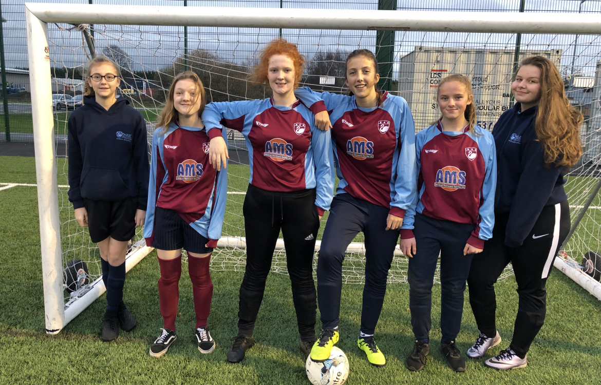 Year 9 10 Girls Football Paulet High School Amp 6th Form